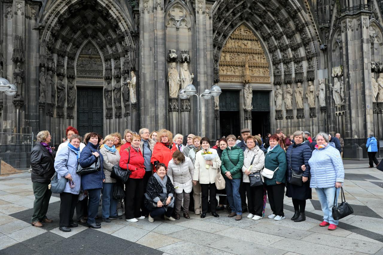 Köln Ausflug Kölner Dom Landsmannschaft der Deutschen aus Russland LmDR NRW Nordrhein-Westfalen Russlanddeutsche