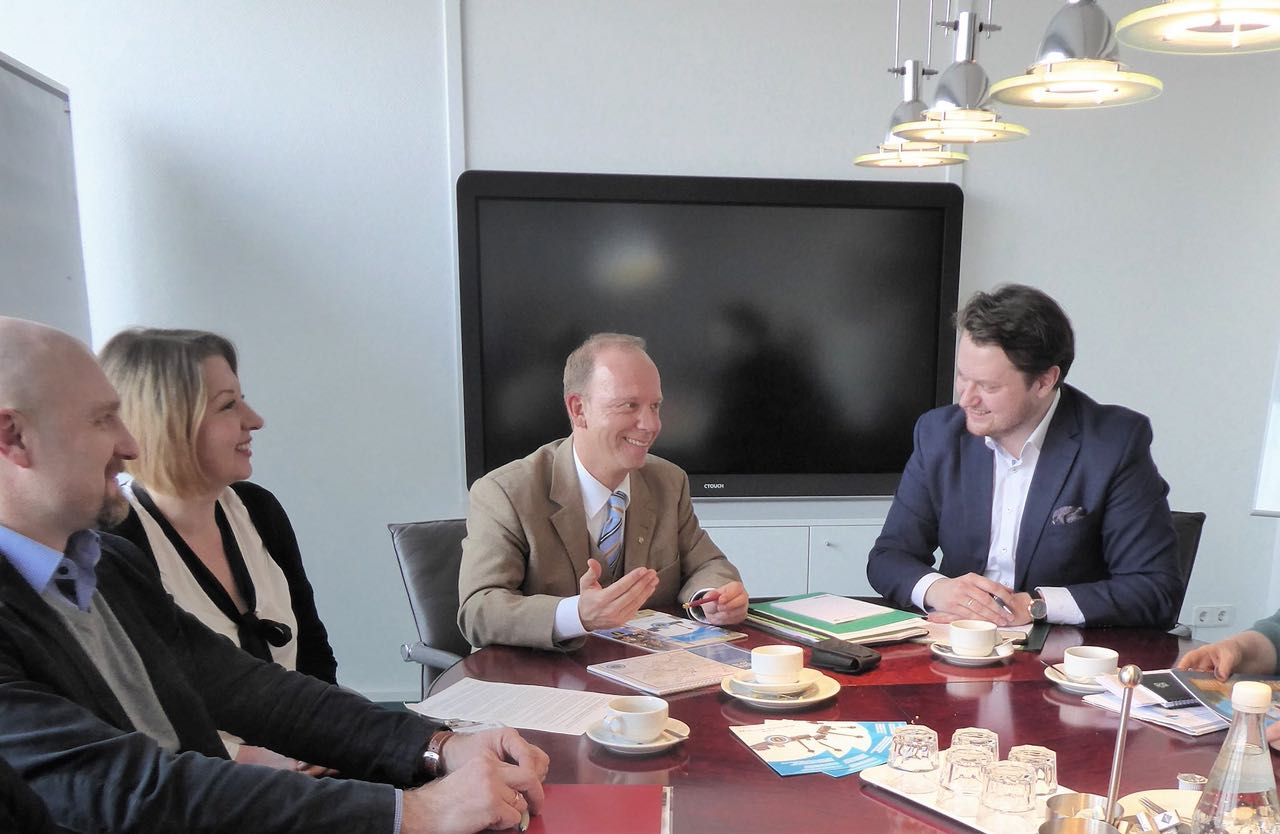 Heiko Hendriks im Gespräch mit dem Vorstand des LmDR e. V. NRW