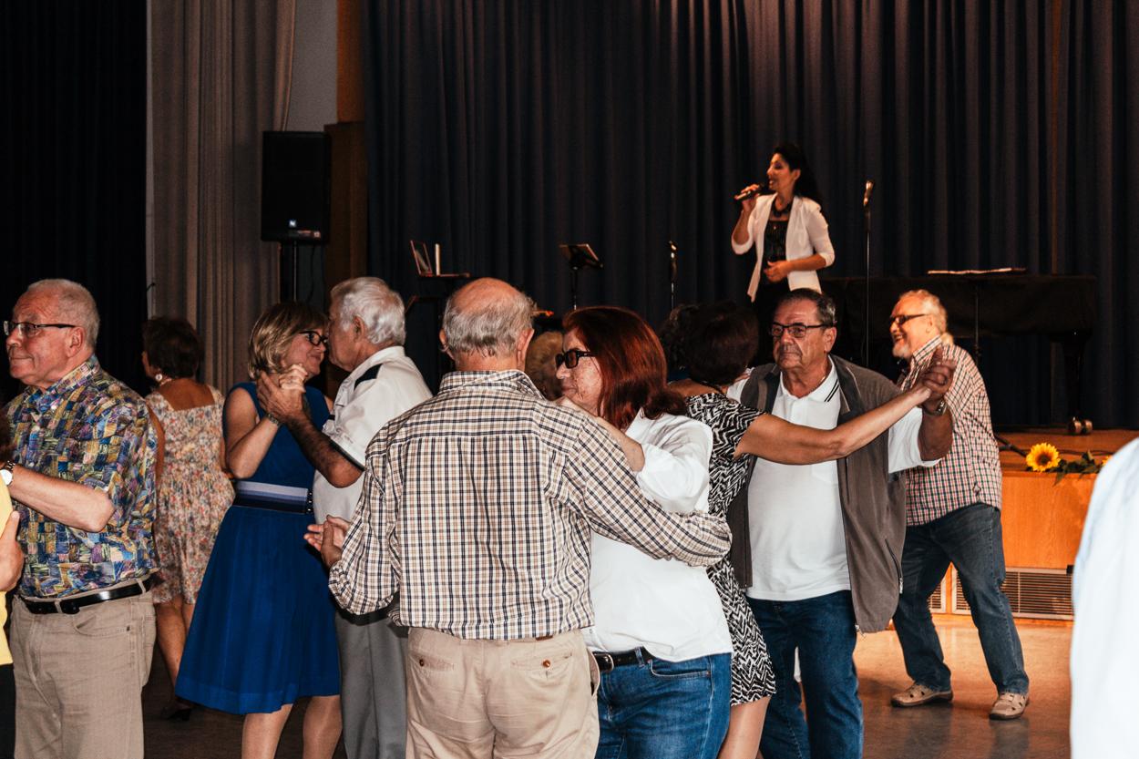 Livemusik auf dem Herbstfest der Landsmannschaft der Deutschen aus Russland, Landesgruppe Nordrhein-Westfalen sorgte für ausgelassene Stimmung bei den Gästen